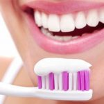Для защиты от кариесы в зубную пасту добавили стекло